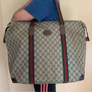 💯 Authentic Gucci travel bag